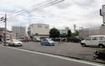 南春日町バス停前駐車場
